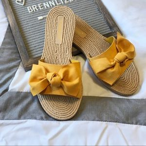 Mustard Yellow Sandals With A Flat Bow Flats NEW